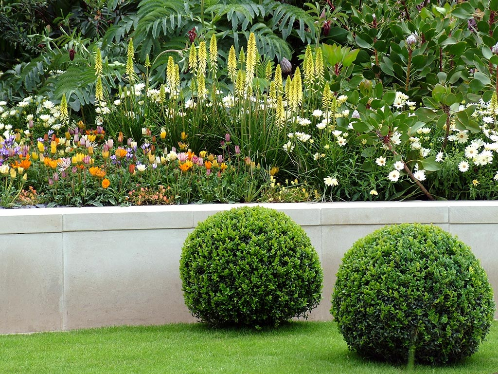 Landscape plans ideas for landscaping flower beds for Flower bed designs