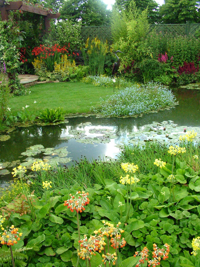 Hampton court flower show picture gallery 2 for Home garden pond design